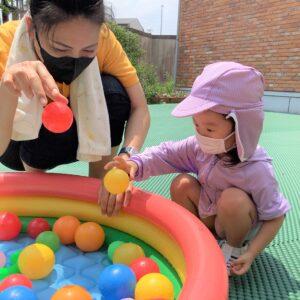 最初は水が少し怖かった生徒も水遊びを通して、楽しんで遊べるようになってきました!